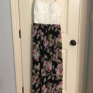 White/floral maxi dress